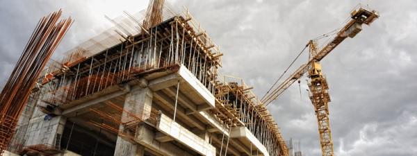 construction_crane_canstockphoto7783211 600x225